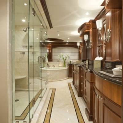 Wheels Yacht Master Bathroom - His