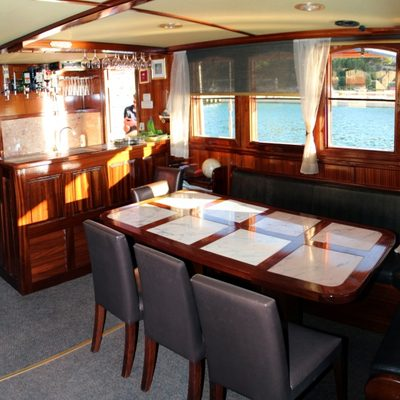 Tajna Mora Yacht