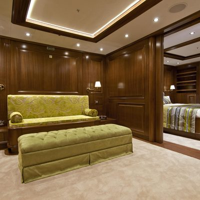 Clear Eyes Yacht Guest Stateroom - Seating