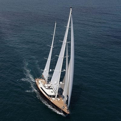 Fidelis Yacht Running Shot - Front View