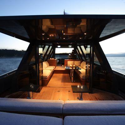 Ash Yacht
