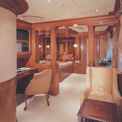 Insignia Yacht Stateroom - Study Area