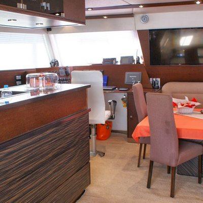 Anassa Yacht