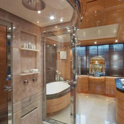 Lady MM Yacht Shower Room