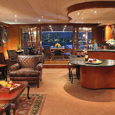 Kayana Yacht Salon & Bar