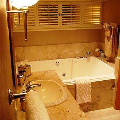 Sojourn Yacht Bathroom