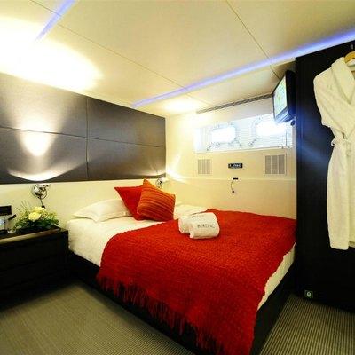 Berzinc Yacht  Guest double port side
