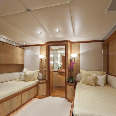 Azul V Yacht Twin Stateroom