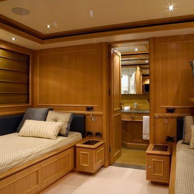 Hana Yacht Twin Stateroom