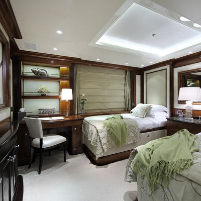 Seanna Yacht Twin Stateroom - Green