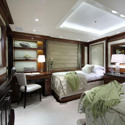 Seanna Yacht Twin Stateroom - Green
