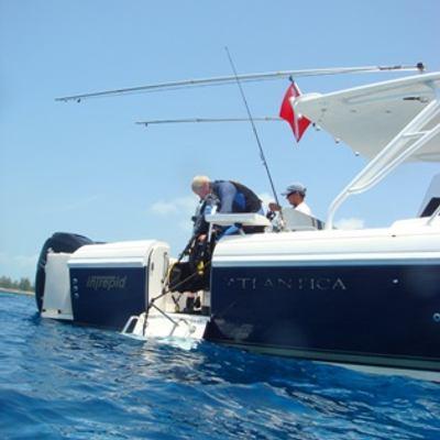 Queen D Yacht Diving