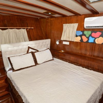 Holiday X Yacht