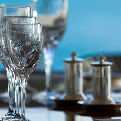 Elegant 007 Yacht Detail - Bar