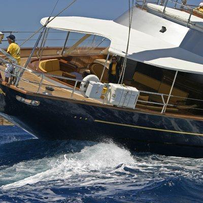 Andromeda la Dea Yacht Running Shot