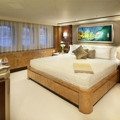 Sycara V Yacht Guest Bedroom - Light