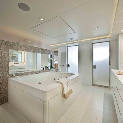 Light Holic Yacht Master Bathroom