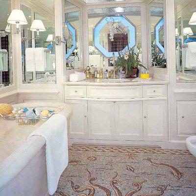 Virginian Yacht Guest Bathroom