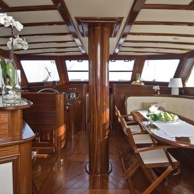 Santa Lucia Yacht