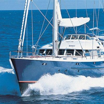 MITseaAH Yacht Running Shot