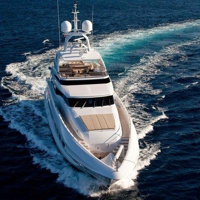 Seven S Yacht Underway