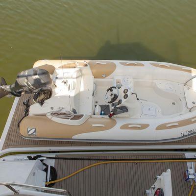 Breakaway Yacht