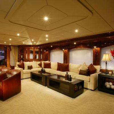 Top Five Yacht Skylounge