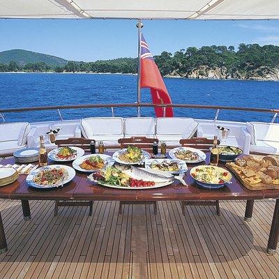 Virginian Yacht Al Fresco