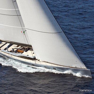 Sharlou Yacht Running Shot - Side