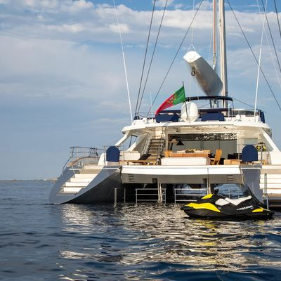 Hutiane Yacht
