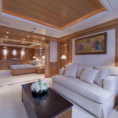 Deja Too Yacht VIP Stateroom - Full Beam