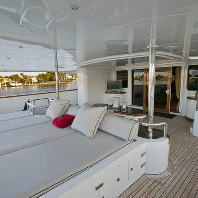 Il Sole Yacht Aft Deck sunpads