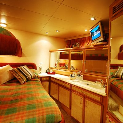 Forty Love Yacht Guest Stateroom 1
