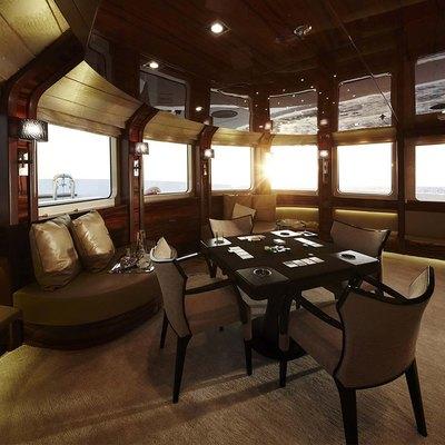 E & E Yacht Skylounge
