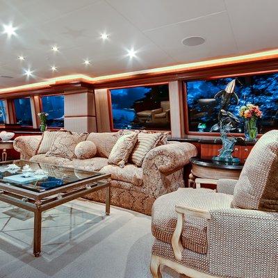 Andiamo Yacht Upper Salon