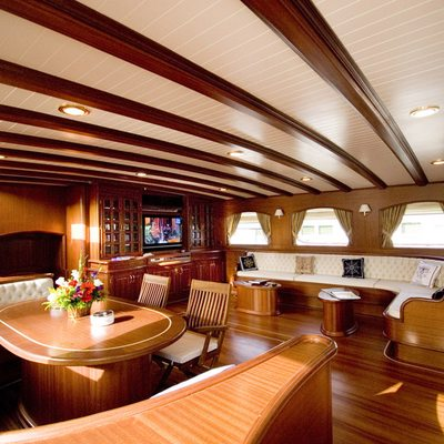 Take It Easier Yacht Salon & Dining