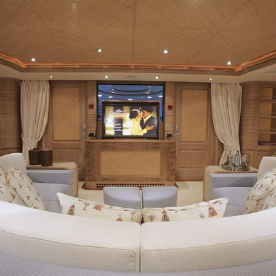 Jo Yacht Skylounge
