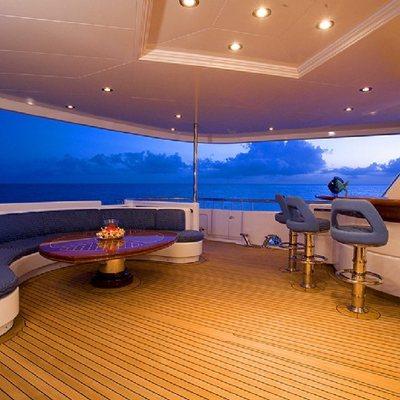 Broadwater Yacht Exterior Bar