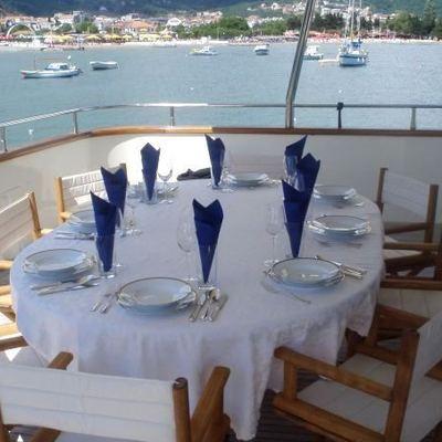 Happy Spirit Yacht Al Fresco Dining