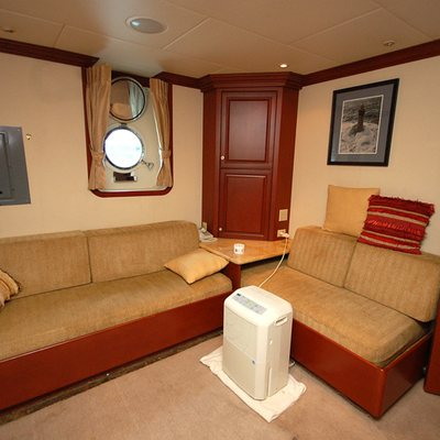 Stargazer Yacht VIP Salon