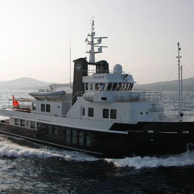 RH2 Yacht Running