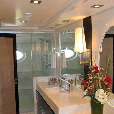 Dragon Yacht Master Bathroom