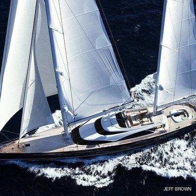 Twizzle Yacht Running Shot
