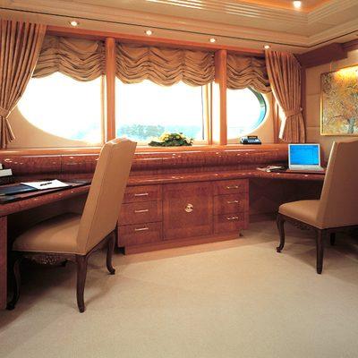 Capri I Yacht Master Stateroom - Study