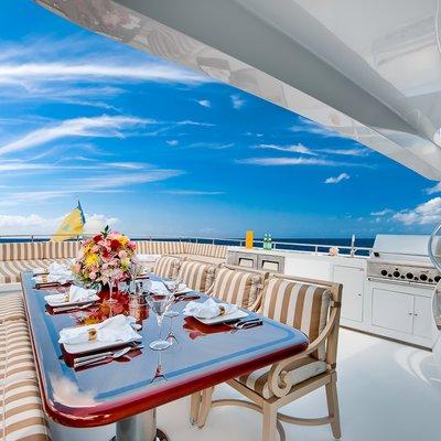 Andiamo Yacht Exterior Seating