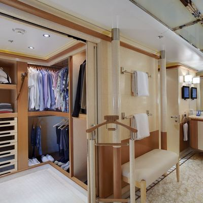 Pegasus VIII Yacht Walk In Wardrobe