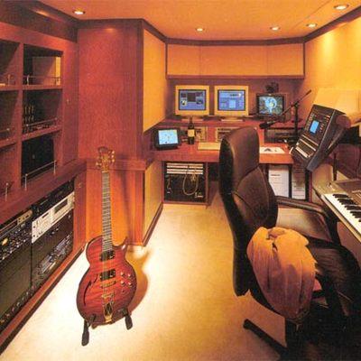 Herculina Yacht Music Room
