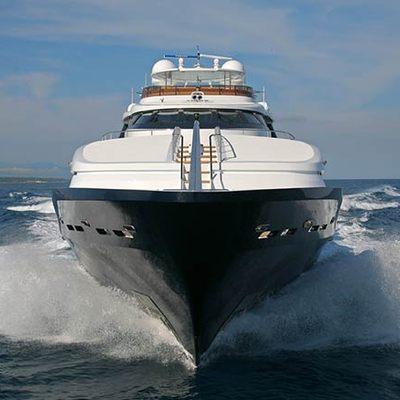 Daloli Yacht Bow