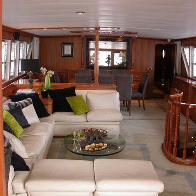 Ava Yacht Saloon