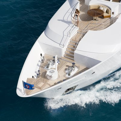 Perle Bleue Yacht Running Shot - Bow